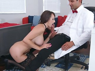 Sexual experience encouragement under way be incumbent on busty Lexi Luna