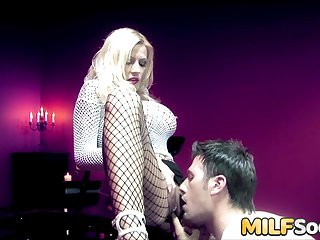 An Anal Reaming for MILF Michelle Thorne