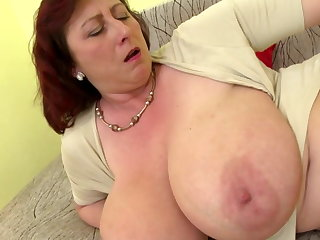 Mature queen mom relating to big tits and hungry cunt