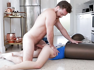 Hasty sex all over bitch in garbage can