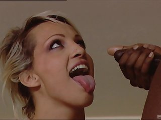Interracial threesome with cum shots on circumstance for blonde MILF Dara Lee