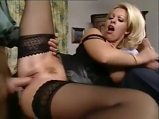 Milf Dolly Golden Threesome Scene: