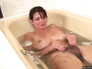 Darkhaired Vanessa In Bathroom Rubs Their way Hairy Pussy