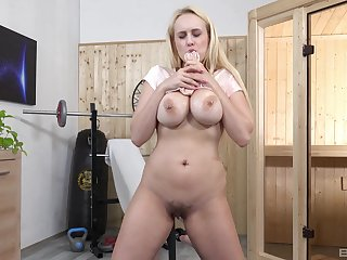 Blonde wife mill her pussy anent a giant dildo