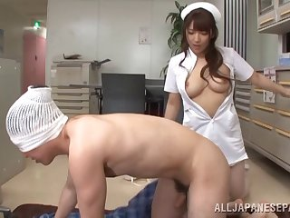 A nurse uses her not roundabout soft mouth on her patient's cock