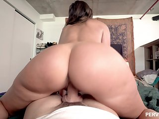 Famed PAWG Helena Expense proffers the hottest POV din and bang