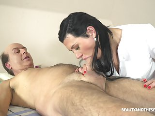 Czech massage girl Adelle Sabelle gets intimate with one old client