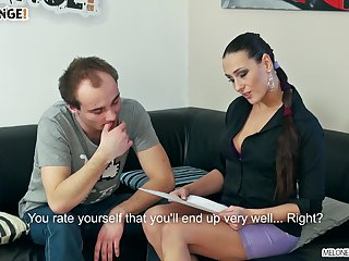Professional cock pleaser makes an bush-league guy lick her pussy
