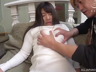 Japanese amateur Maino Itsuki sucks a unstinting dick and gets fucked